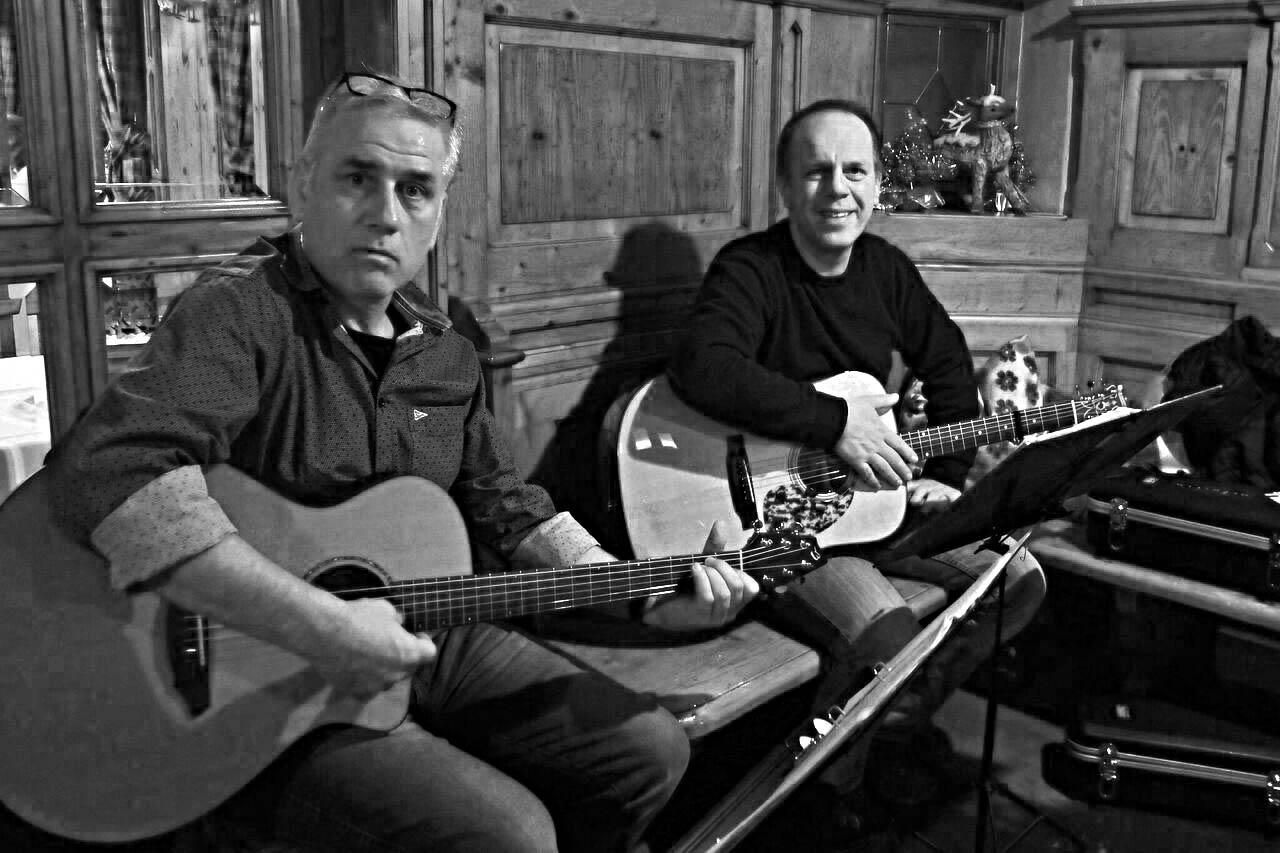 Das Akustik Duo bei der Lesung