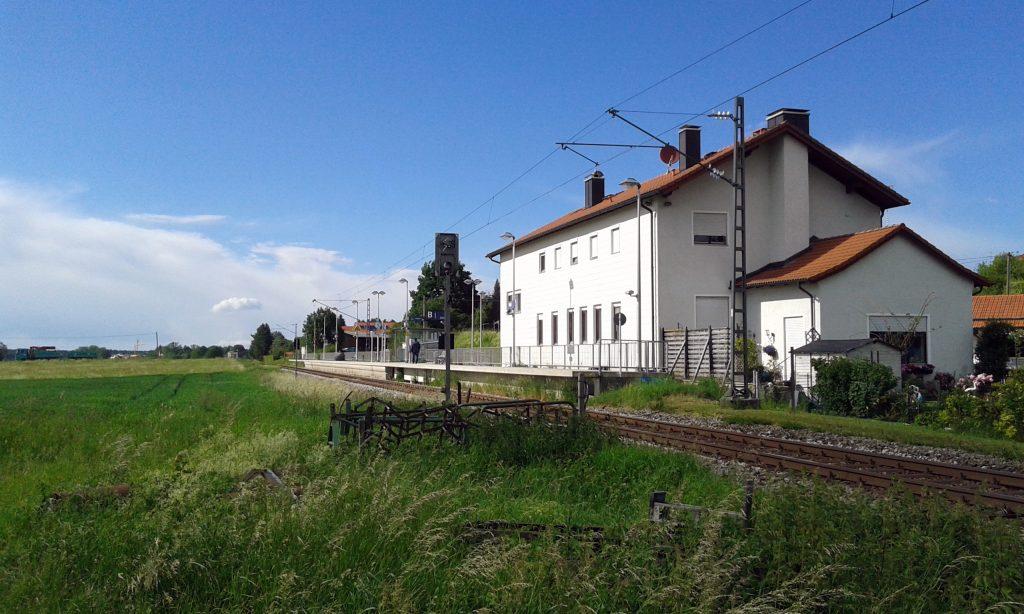 Bahnhöfe der Region - Peiß