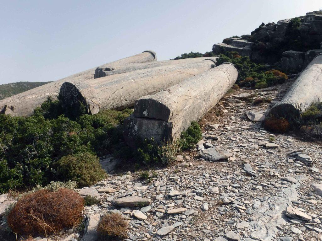 Kulturblick auf antike Säulen