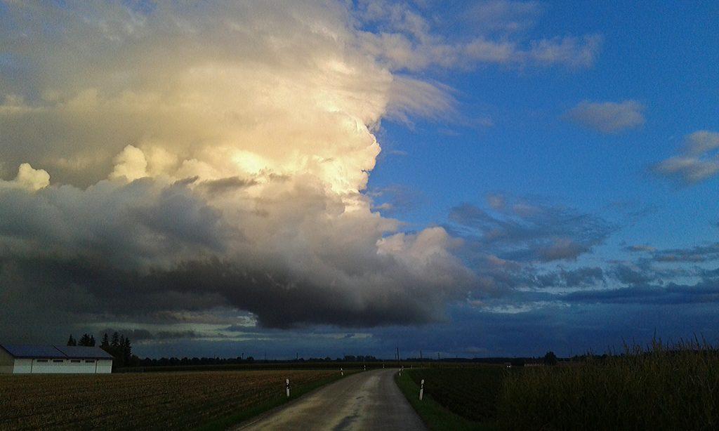 Schöner Himmel auf der Heimfahrt