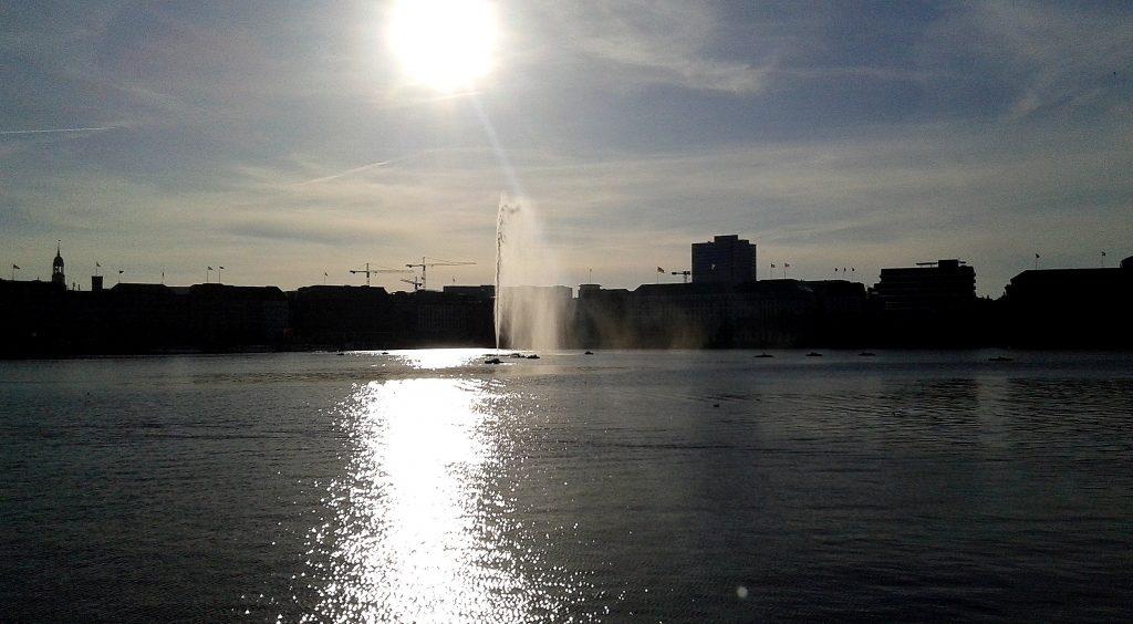 Hamburg Alster im Sonnenschein