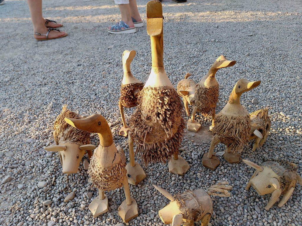 Holztiere auf dem Sinnflut