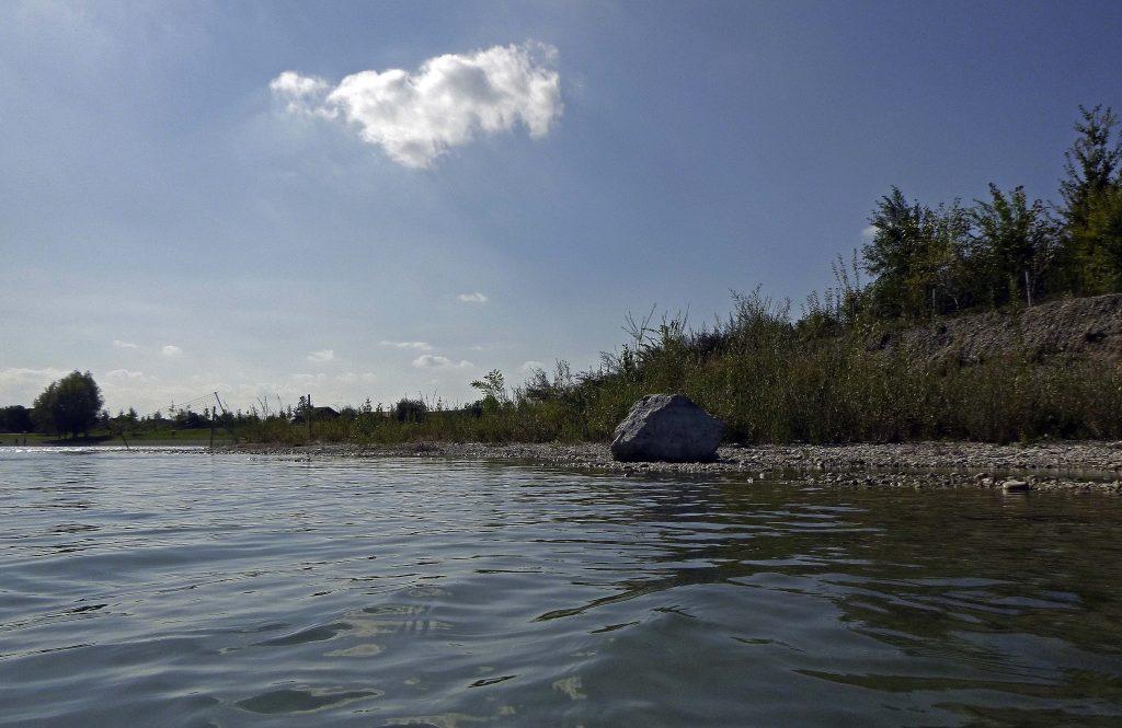 Der markanste Stein am Ufer - da geht noch was