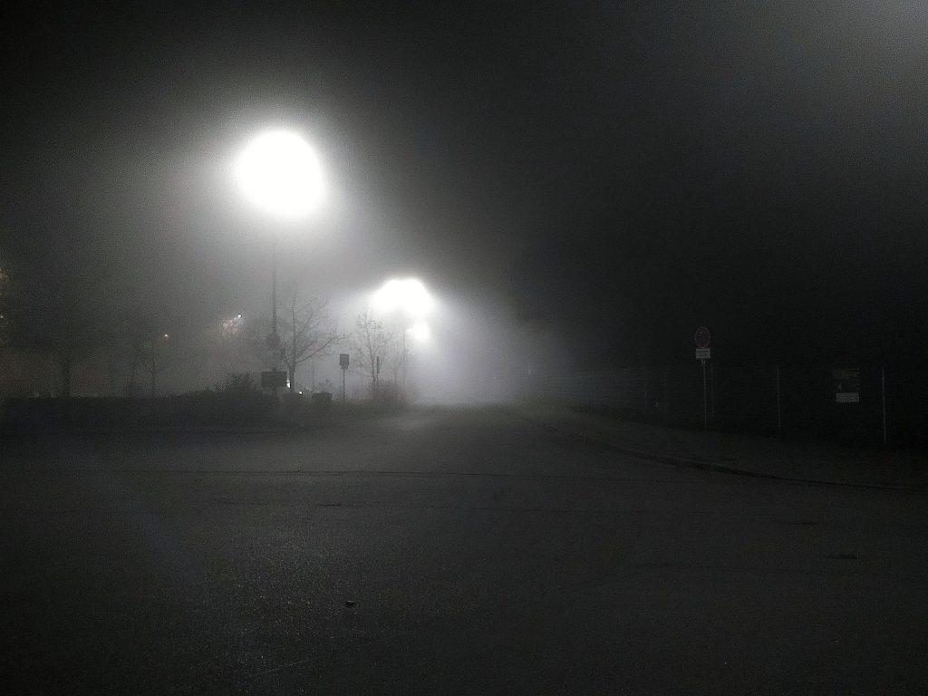 November, Nebel, Nächte - lauert irgendwer irgendwo?
