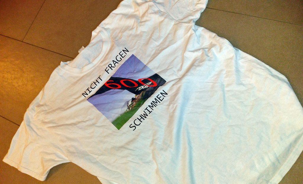 600 Kilometer - auf ein T-Shirt gedruckt