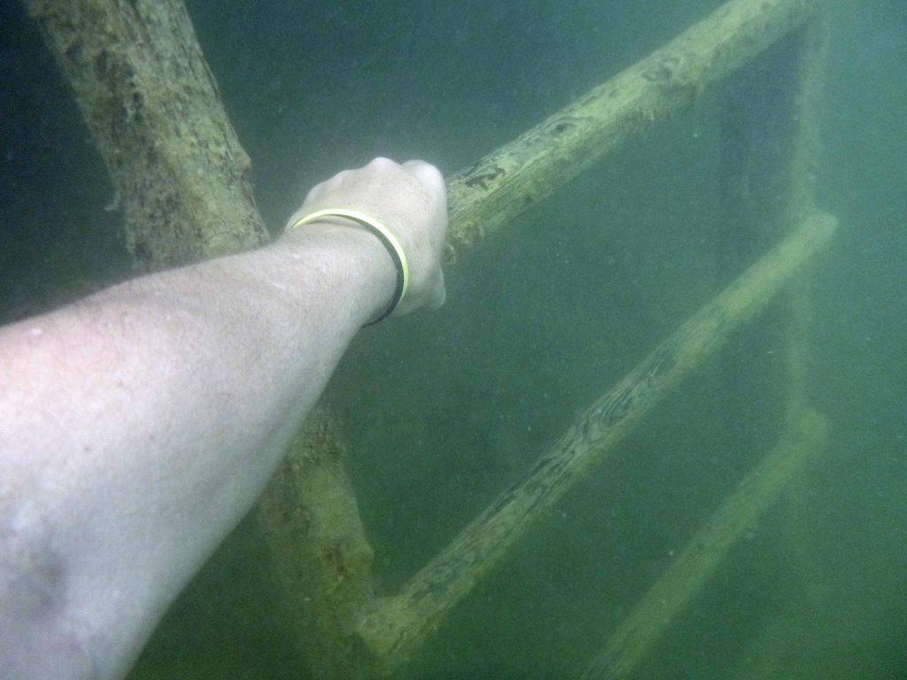 Letzte Ausstiegsstelle - die Leiter unter Wasser