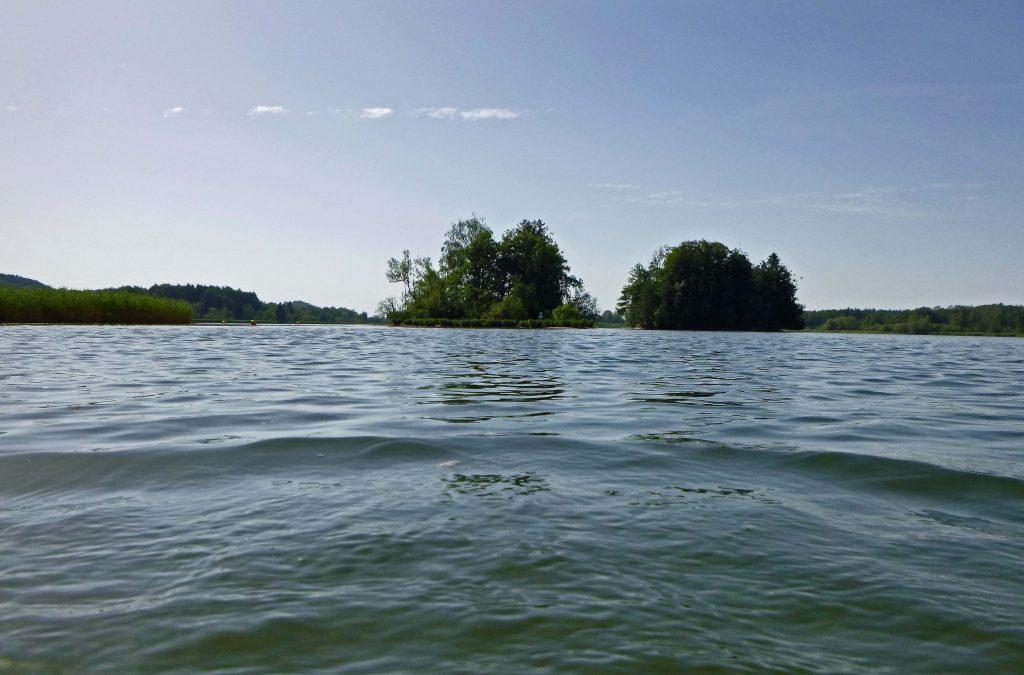 Zwei Inseln - kein Mensch irgendwo. Ein Lost Place