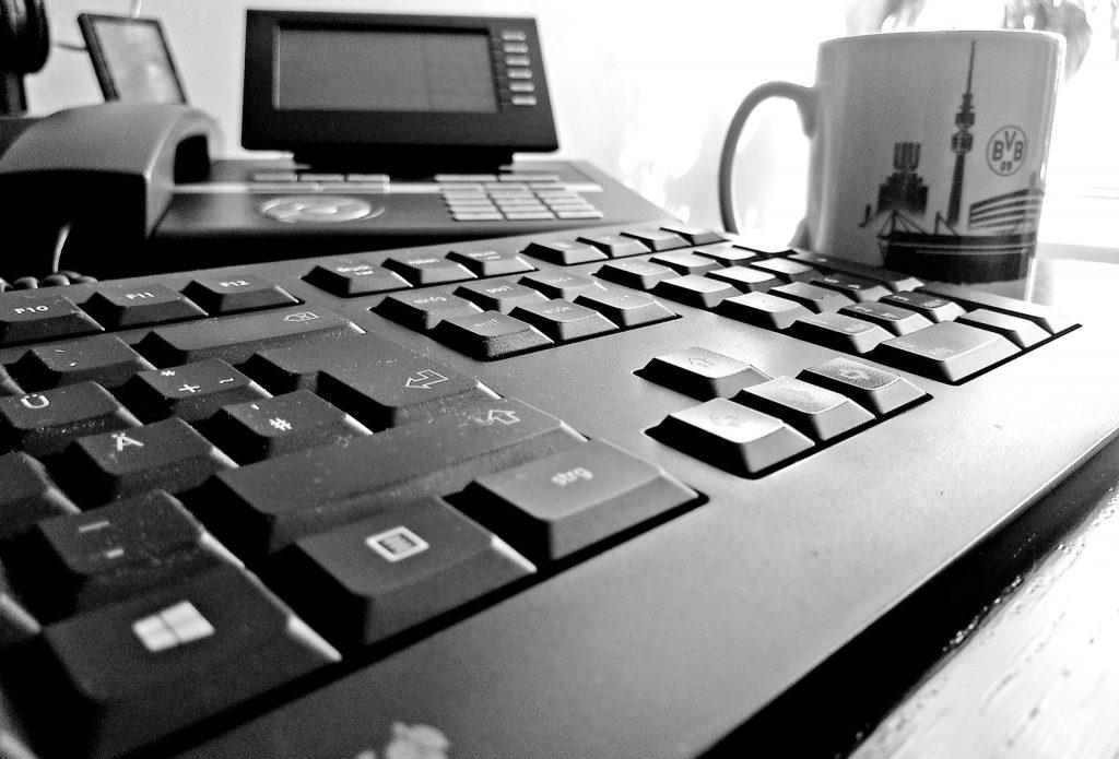 10 Tage Schwarz weiß - Tasse, Tastatur, Telefon