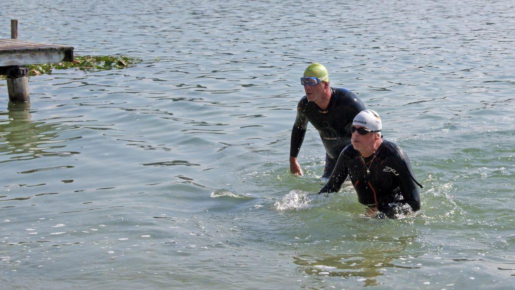 Volksschwimmen Tachinger See: Ankunft am Ziel