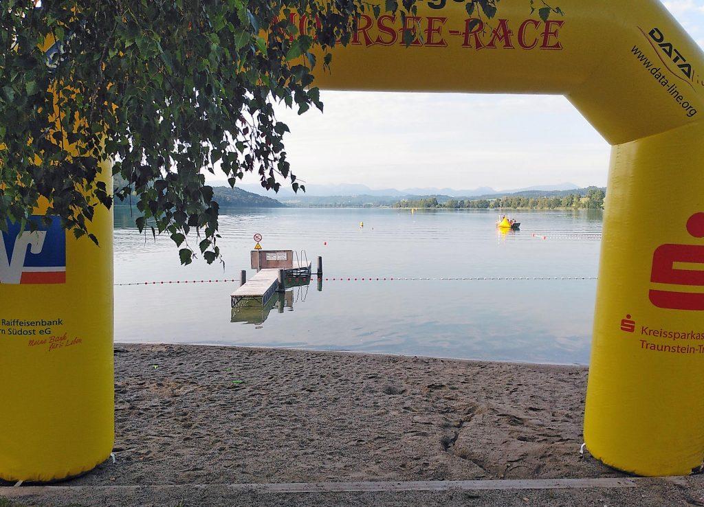 Volksschwimmen Tachinger See: Startplatz in Tengling