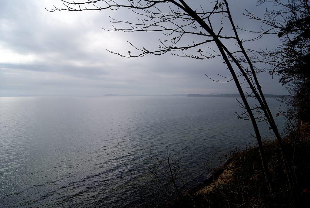 Diesige Herbststimmung über der Ostsee