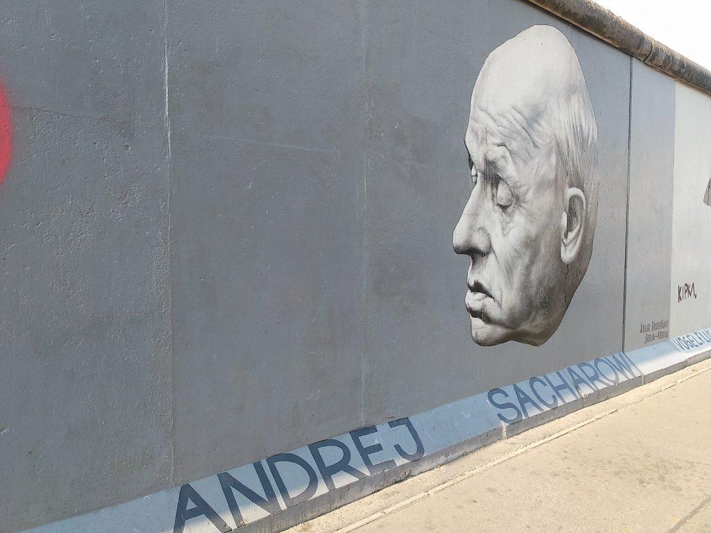 Sacharow Portrait in der Eastside Gallery - Die Mauer heute