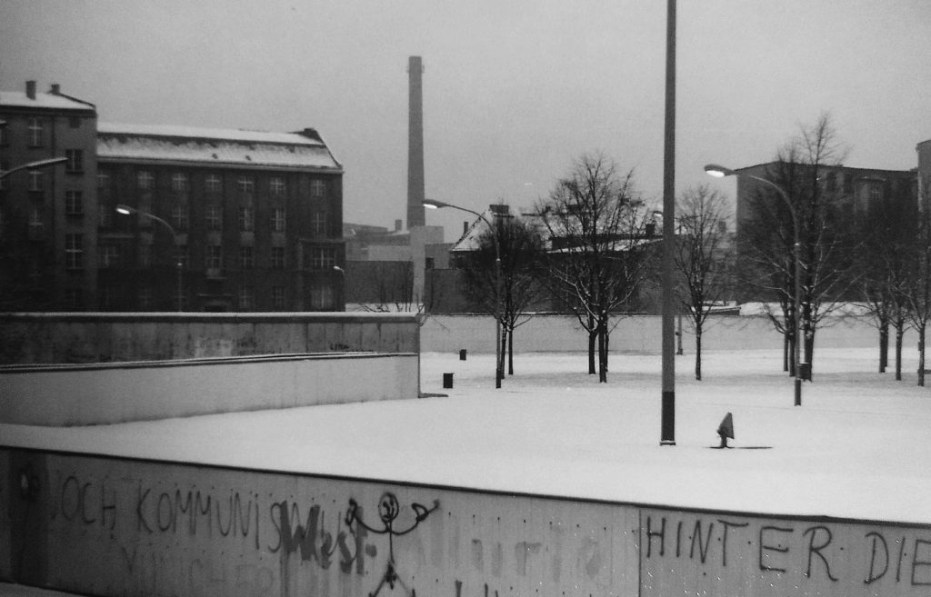 Berliner Mauer im Winter 1984. Trostlos