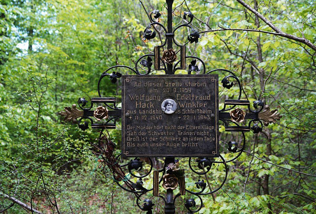 Marterl im Berglwald